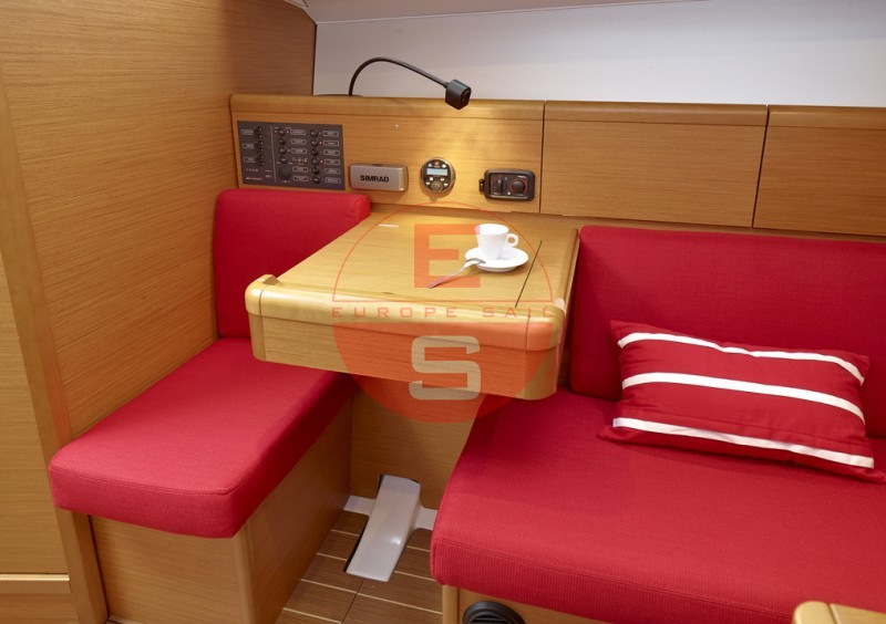 boat 33i interieur 20120523122230 1